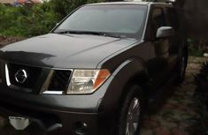 Nissan Pathfinder 2006 Gray for sale