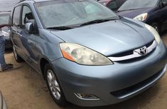Almost brand new Toyota Sienna Petrol 2010 for sale