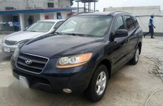Clean Hyundai Santa Fe 2009 for sale