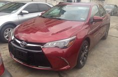 Pure red Toyota Camry 2016 for sale