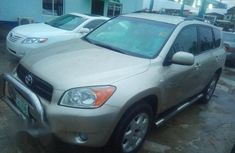 Clean Toyota RAV4 2007 Gold for sale