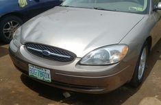 Ford Taurus 2004 Gold