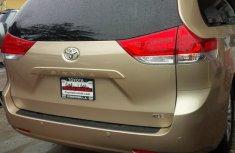 Toks 2014 Toyota Sienna, Full Option