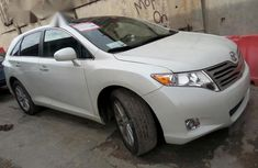 Clean Toyota Venza 2009 White for sale