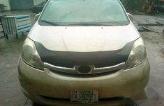 Toyota Sienna 2006 White for sale