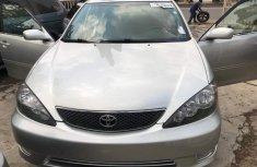 2005 Toyota Camry sliver