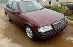 Tokunbo Mercedes Benz C180 2004 Red for sale