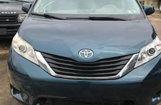 Toyota Sienna 2016 Green for sale