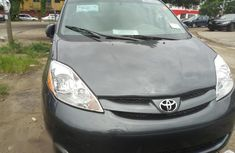 Clean Toyota Sienna 2010 Gray for sale