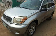 Neatly Nigeria Used Toyota Rav4 2005 Silver For Sale