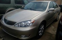 Neat clean Toyota Camry 2005 gold for sale