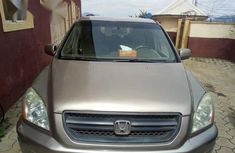 Honda Pilot 2004 Gold for sale