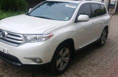 Toyota Highlander 2013 White for sale