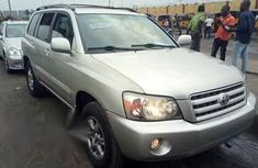 Toyota Highlander 2004 Silver for sale