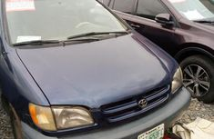 Neat Toyota Sienna 1999 Blue for sale