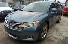 Clean Used Toyota Venza 2010 Blue