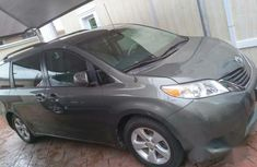 Toyota Sienna LE 2012 Gray for sale