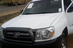 Tokunbo Toyota Tacoma 2009 White for sale