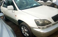 Very Clean Lexus Rx300 2002 White for sale