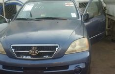 Tokunbo Kia Sorento 2004 Blue for sale