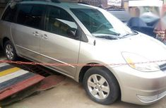 Tokunbo Toyota Sienna 2005 Silver for sale