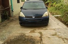 Used Toyota Sienna 2005 Blue for sale