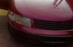 Clean Volkswagen Passat 1999 Red for sale