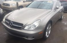 Mercedes-Benz CLS 550 2007 Gold for sale