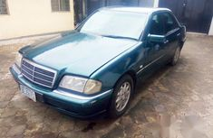 Mercedes Benz C200 1993 Green for sale