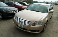 Toyota Avalon 2009 Gold for sale