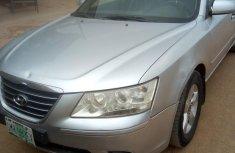 Neat Hyundai Sonata 2010 Silver for sale