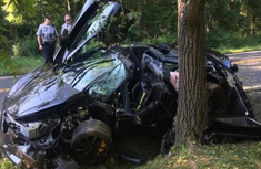 Newly-purchased N95m Mc Laren 720S totally wrecked in an accident