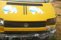 Volkswagen Multivan 2000 Yellow for sale