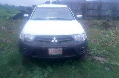 Mitsubishi L200 2014 White for sale