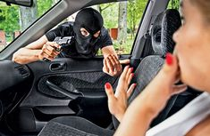 If you saw your car hacked, would you do like this woman?