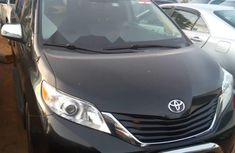 2013 Toyota Sienna Automatic Petrol well maintained