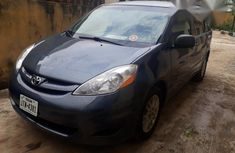 Toyota Sienna 2010 Gray for sale