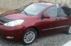 Clean Toyota Sienna Limited 2009 Red for sale