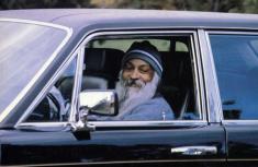 Osho Rajneesh, the Sex Guru who acquires nearly 100 Rolls-Royces
