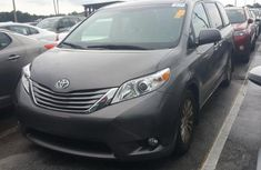 2015 TOYOTA SIENNA XLE FOR SALE