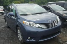 2017 TOYOTA SIENNA XLE FOR SALE