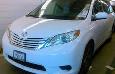 2015 TOYOTA SIENNA LE FOR SALE
