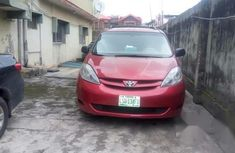 Clean Used Toyota Sienna 2007 Red for sale