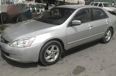 Clean Honda Accord 2003 Silver
