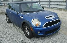 Clean 2007 Mini Cooper Blue for sale
