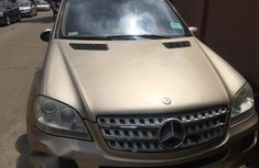 Clean Mercedes-benz ML 500 2006 Gold