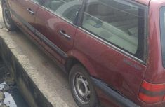Volkswagen Passat 1999 Red for sale