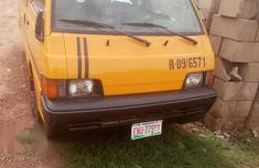 Mitsubishi L300 Bus 18 Seaters 2000 for sale