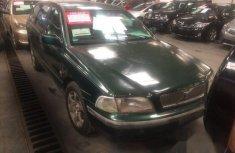 Clean Nigerian Volvo V40 1990 Green