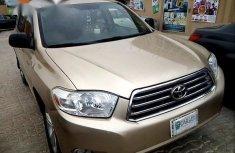 Toyota Highlander 2008 Gold for sale